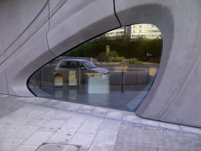 Frameless Glass Screens